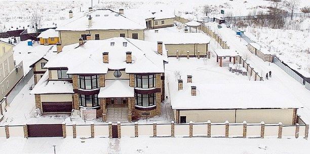 Дмитрий Тарасов и Анастасия Костенко переехали жить в коттеджный поселок