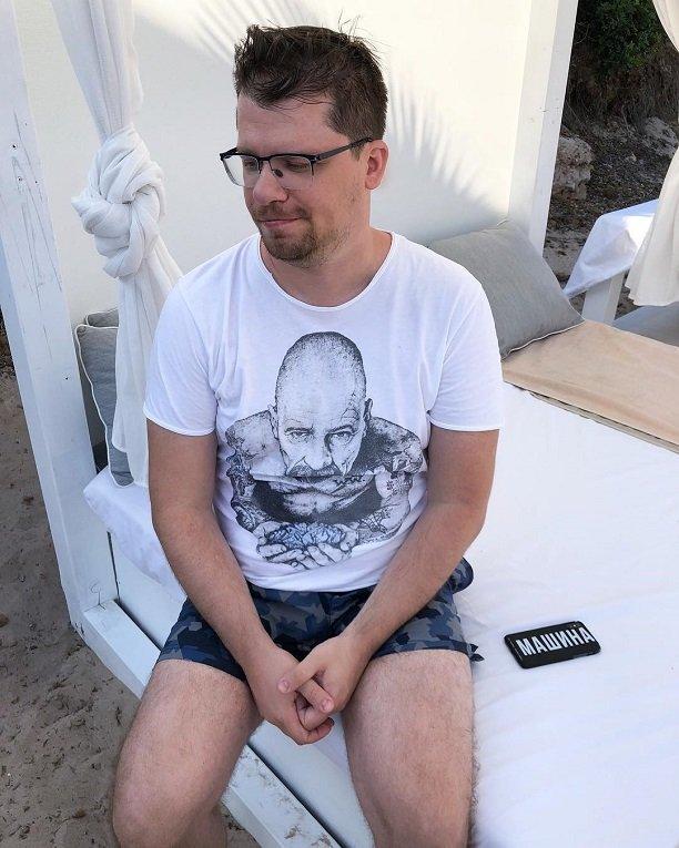 Кристина Асмус страдает от обжорства, а Гарик Харламов стал заметно худее.