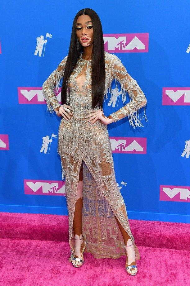 Рита Ора щеголяла на премии MTV практически голой