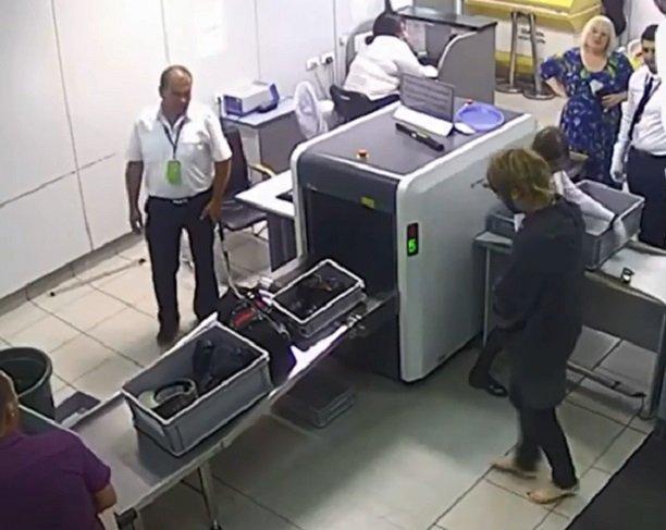 Сергей Зверев поскандалил с сотрудниками аэропорта аэропорта