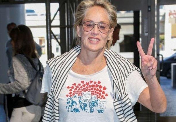 60-летняя Шэрон Стоун совсем не похожа на бабушку