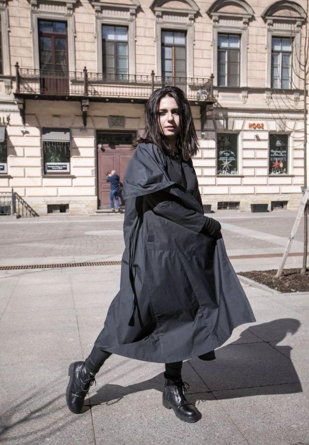 Певица Кристина Берц презентовала необычный дебютный клип «Давай сбежим в Лимб»