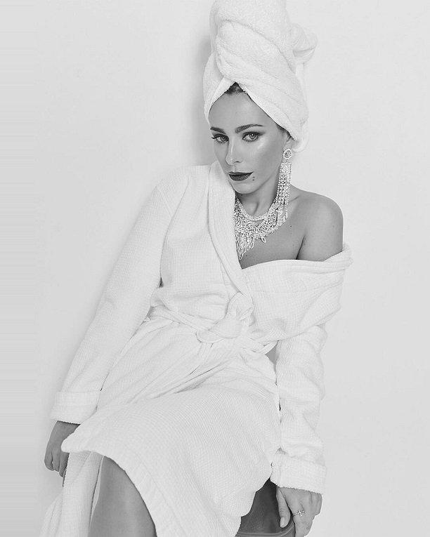 Ани Лорак поделилась снимком после ванной