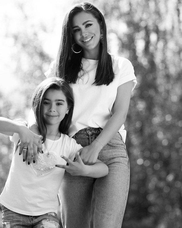 Певица Ани Лорак обновила Инстаграм трогательным фото с дочкой Софией