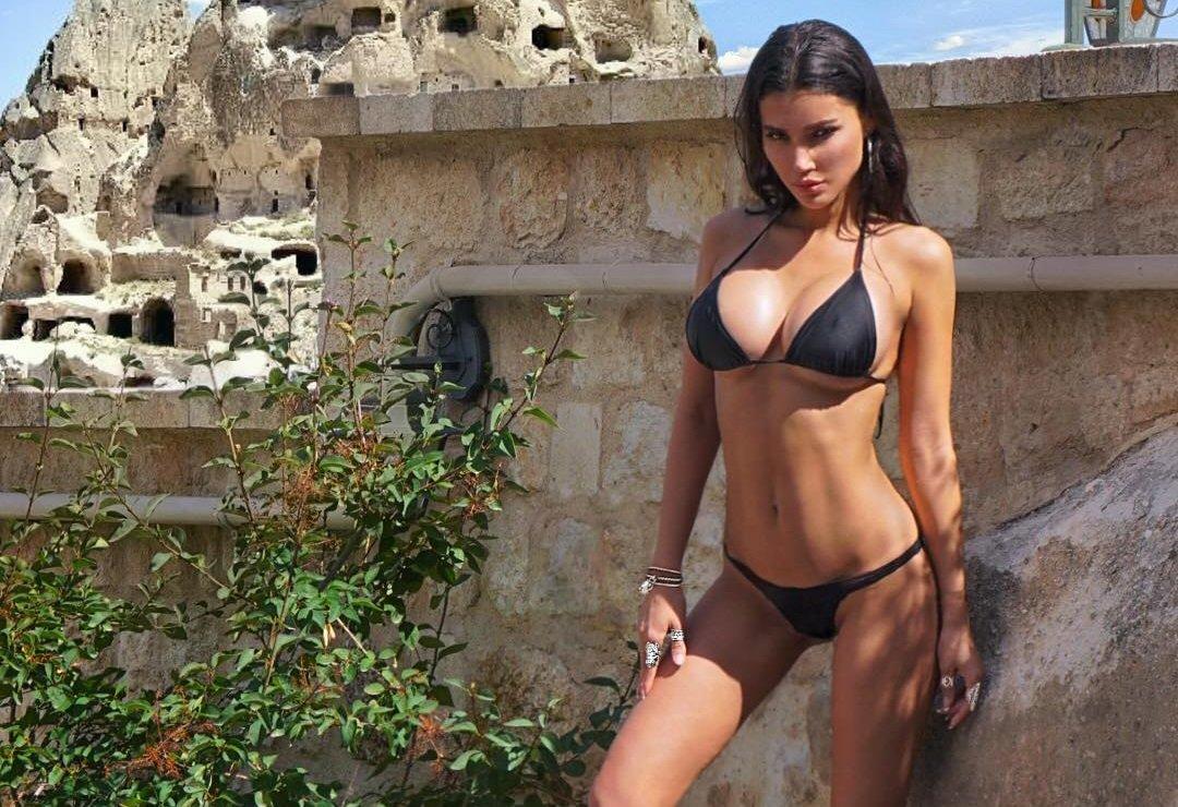Света Билялова и её горячие снимки в купальнике