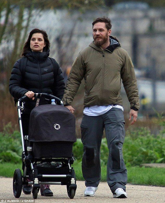 Том Харди и Шарлотта Райли вновь стали родителями: малыш получил имя в честь киногероя
