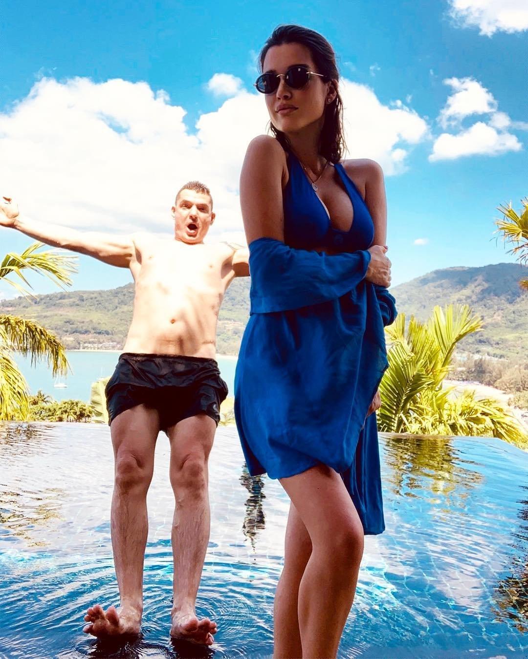 Ксения Бородина восхитила фото огромной груди на отдыхе с мужем Курбаном