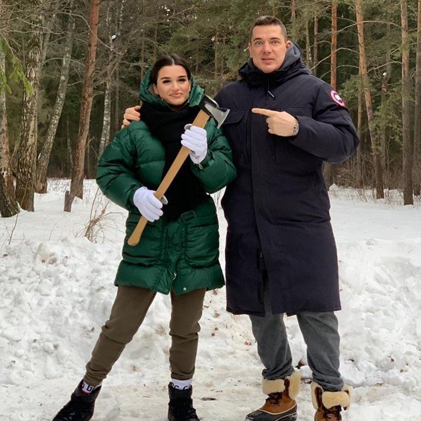 Ксения Бородина призналась мужу в любви, опубликовав фото из бассейна