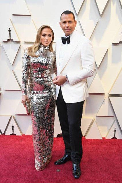 Дженнифер Лопес с избранником на красной дорожке премии «Оскар-2019»