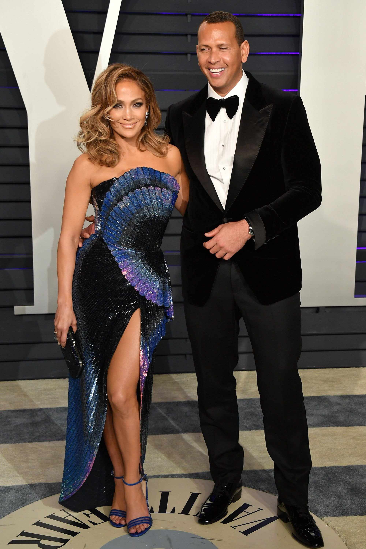 Вечеринка Vanity Fair: Кендалл Дженнер в откровенном платье без нижнего белья и самые эффектные наряды