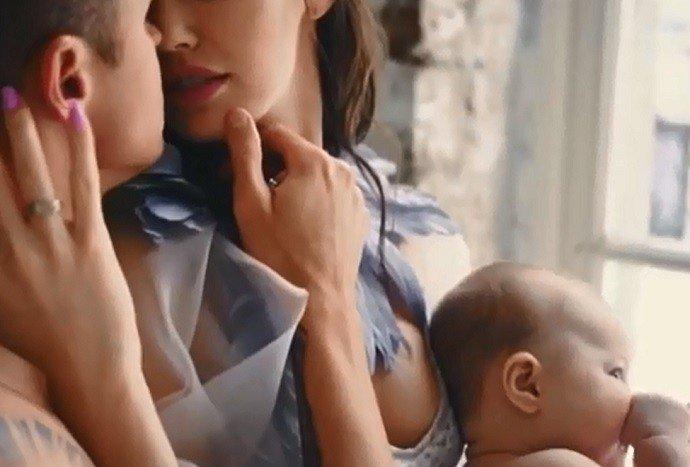 Дмитрий Тарасов и Анастасия Костенко снялись в эротической фотосессии с дочкой