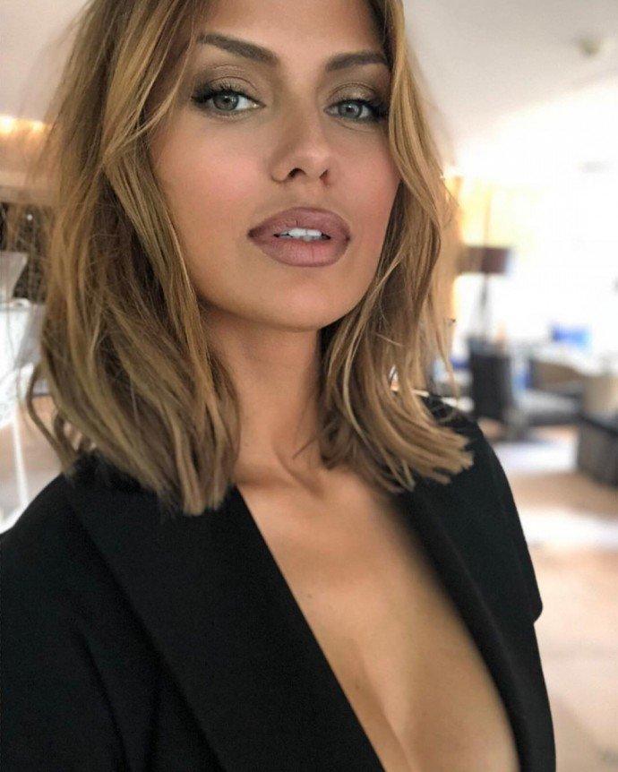 Виктория Боня нарастила волосы нереальной длины
