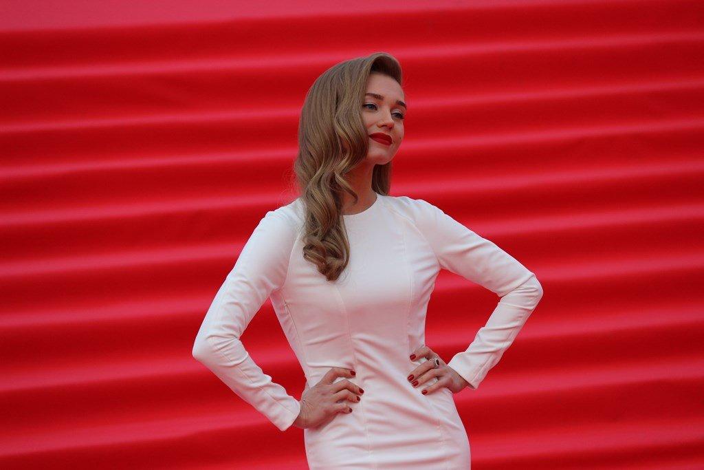 Открытие «ММКФ-2019»: голливудский шик от Кристины Асмус