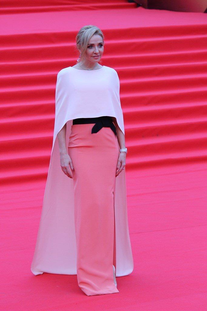 Закрытие «ММКФ-2019»: Татьяна Навка в одном из самых стильных нарядов вечера