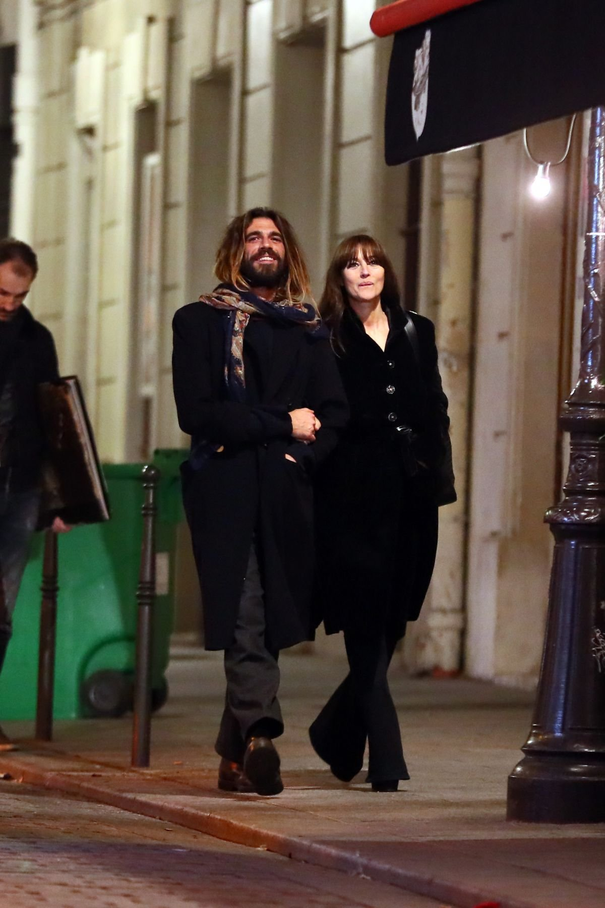 Фотографы запечатлели Монику Беллуччи с избранником в Венеции
