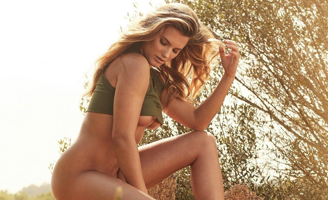 Блондинка Мария Роше снялась для журнала Playboy