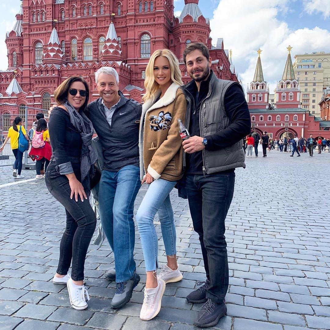 Виктория Лопырева приехала в Россию с гражданским мужем Игорем Булатовым