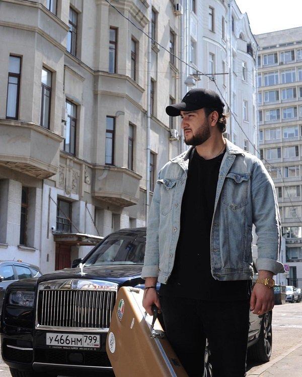 Alex Simons: «Человек живёт - пока живёт его музыка»