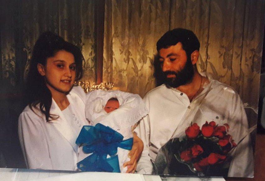 В Сеть попала устрашающая переписка сестёр Хачатурян с отцом