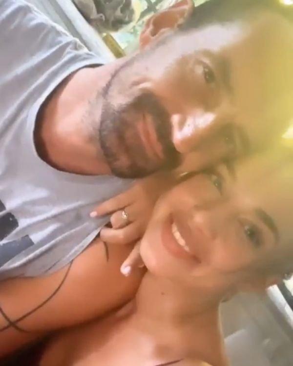 21-летняя Анастасия Михайлюта впервые показала голую грудь