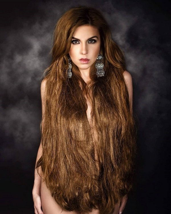 Певица и автор песен Марина Табри сделала фотосессию в стиле НЮ