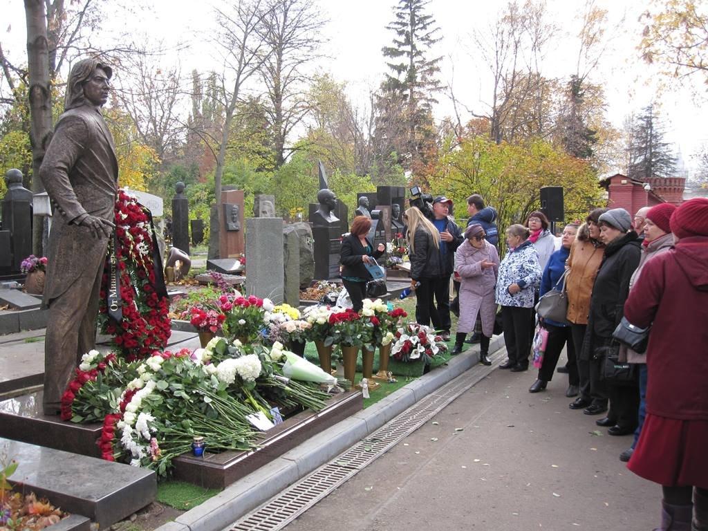 В Москве открыт памятник Дмитрию Хворостовскому