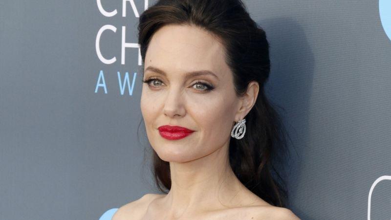 Анджелина Джоли с коллегами была срочно эвакуирована со съемочной площадки