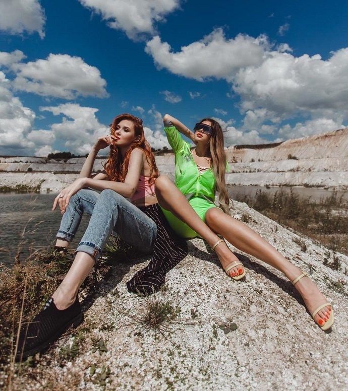 Девушки из группы ТВОЯVINA откровенно рассказали о творчестве и любви