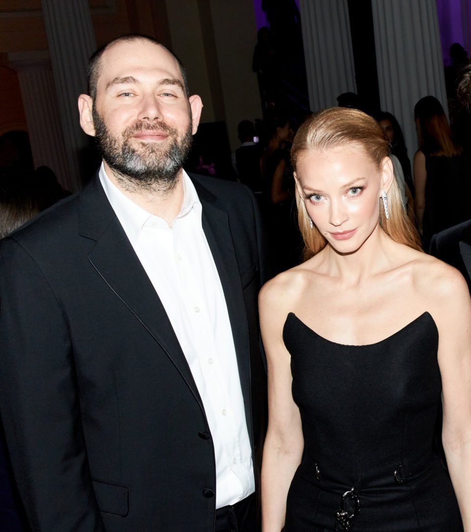 Возможно беременная Светлана Ходченкова пришла на светское мероприятие