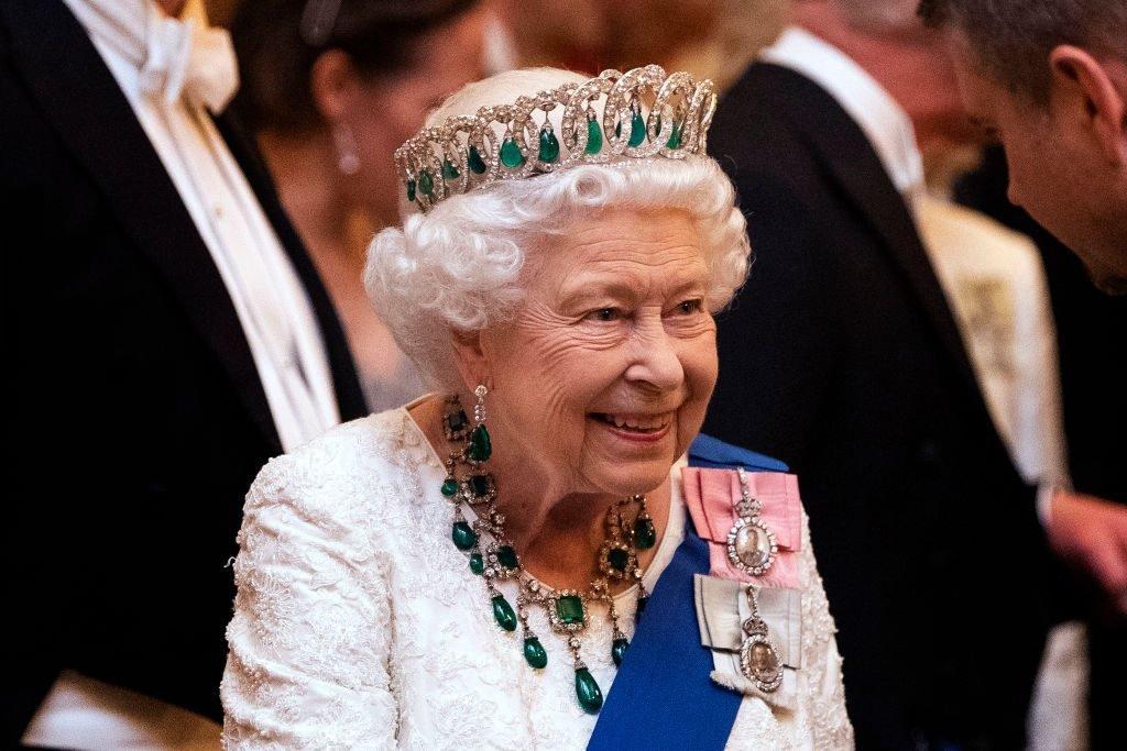 Елизавета II выступила с официальным заявлением о принце Гарри и его супруге