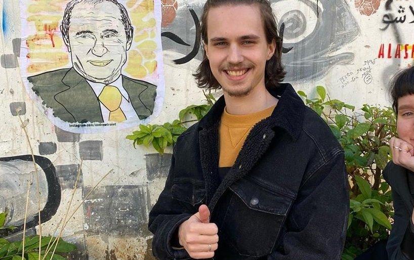 Комик Александр Долгополов дал первое интервью после отъезда из России