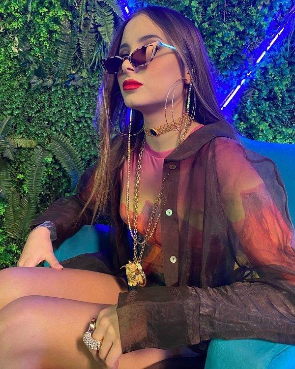 Певица Миранда выпустила новую песню «Папин пистолет».