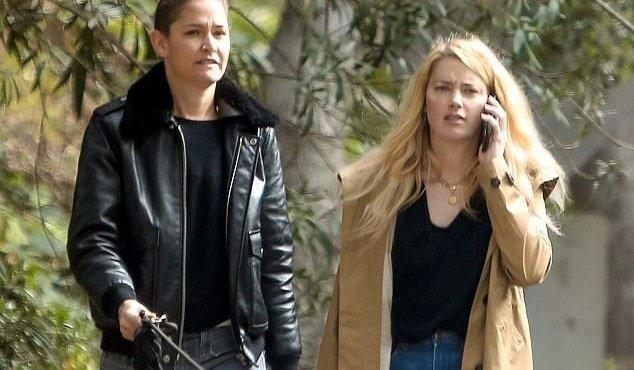 Эмбер Хёрд с новой возлюбленной попалась папарацци на улице Лос-Анджелеса