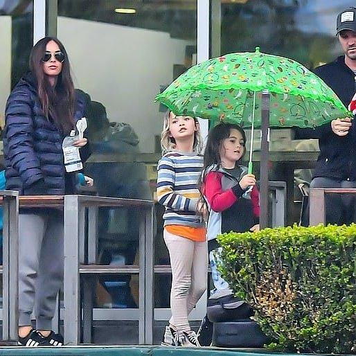 Три сына Меган Фокс всё больше становятся похожи на девочек
