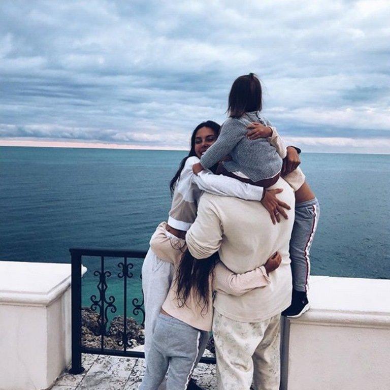 Финал громкого скандала: Оксана Самойлова сообщила о разводе с Джиганом