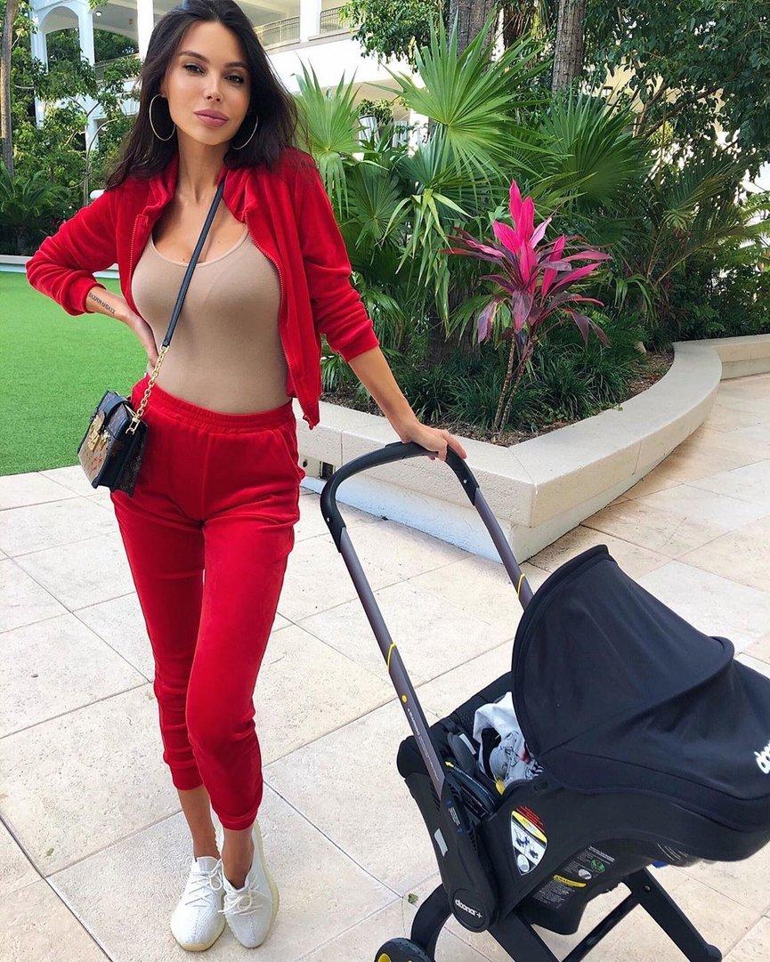 Оксана Самойлова официально подала на развод с Джиганом