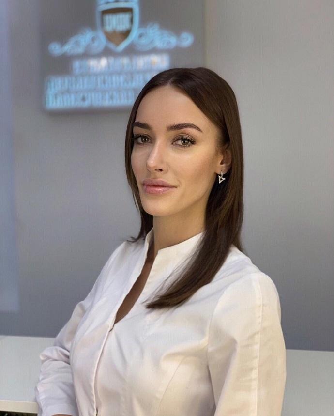 Почему Лолите Милявской, Розе Сябитовой, Ирине Дубцовой понадобилась липосакция? Отвечает врач Анна Сергукова