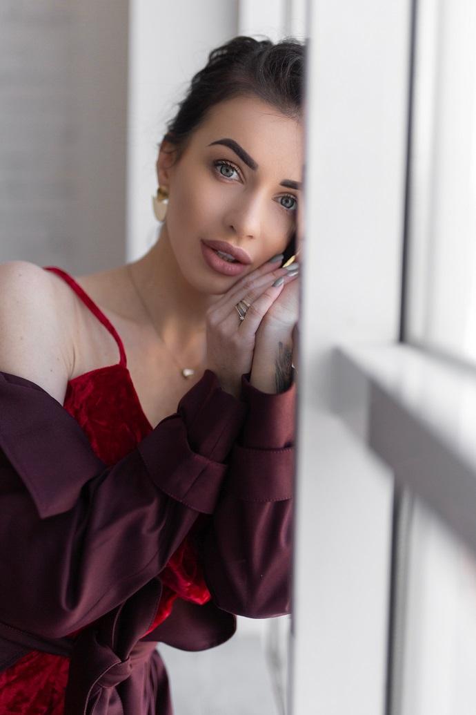 Блогер Анастасия Стадник рассказала о правде на телешоу, собственном бренде одежды, уходом за собой и вере в свои силы