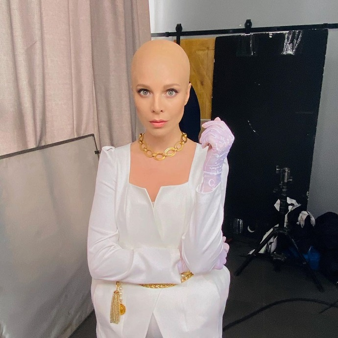 «Хочу шокирующих перемен»: Наталья Подольская побрилась наголо