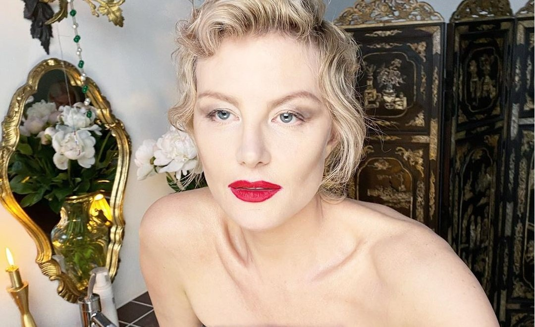 Рената Литвинова показала фото 18-летней дочки с бойфрендом