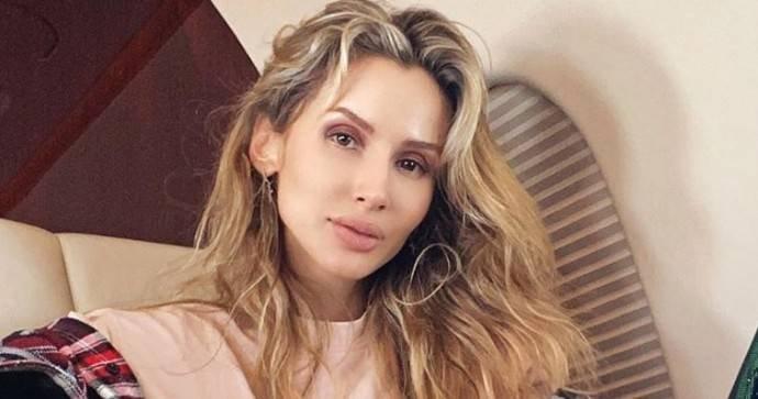Светлана Лобода подчеркнула новый цвет волосы эффектным нарядом