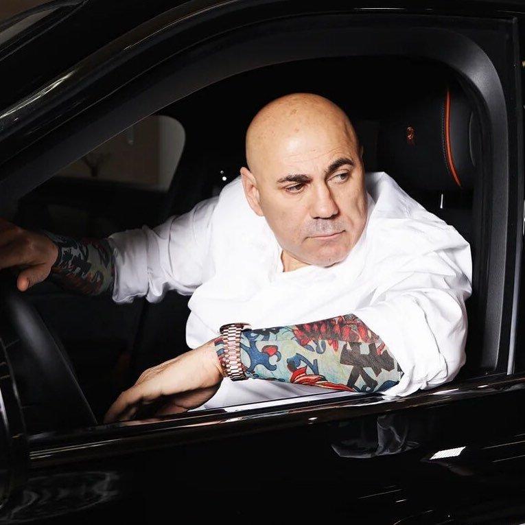 Иосиф Пригожин тратит в месяц более полутора миллионов рублей