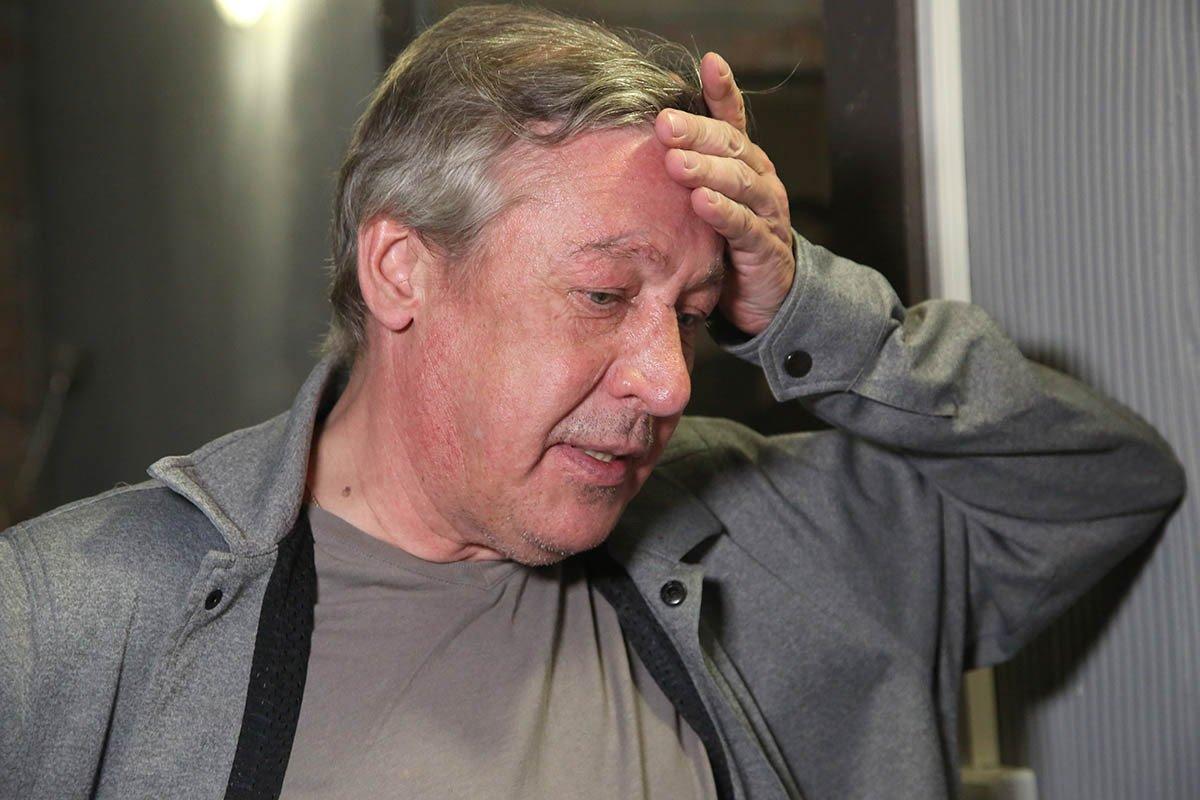 Михаила Ефремова госпитализировали