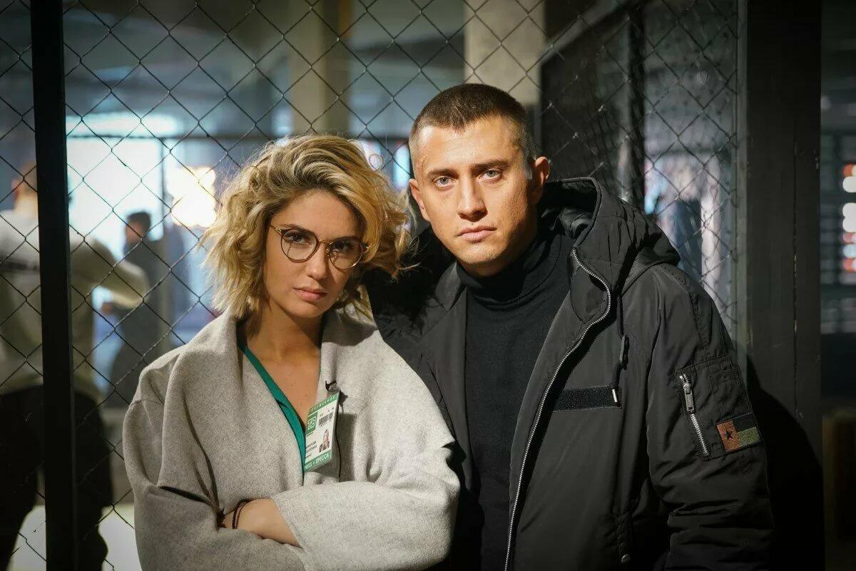 """Продюсер сериала """"В клетке"""" объяснил, почему не будет работать с Агатой Муцениеце"""