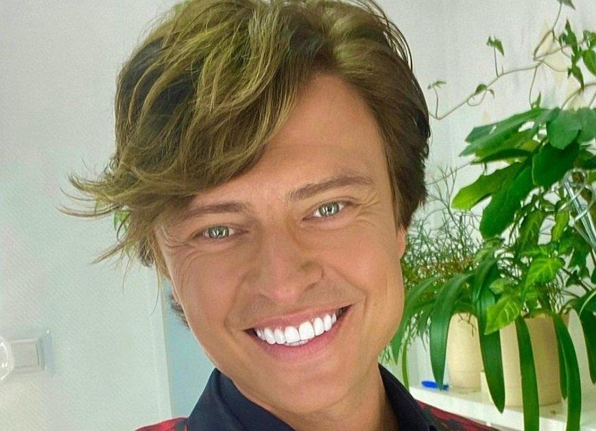 Прохор Шаляпин снял люминиры с зубов