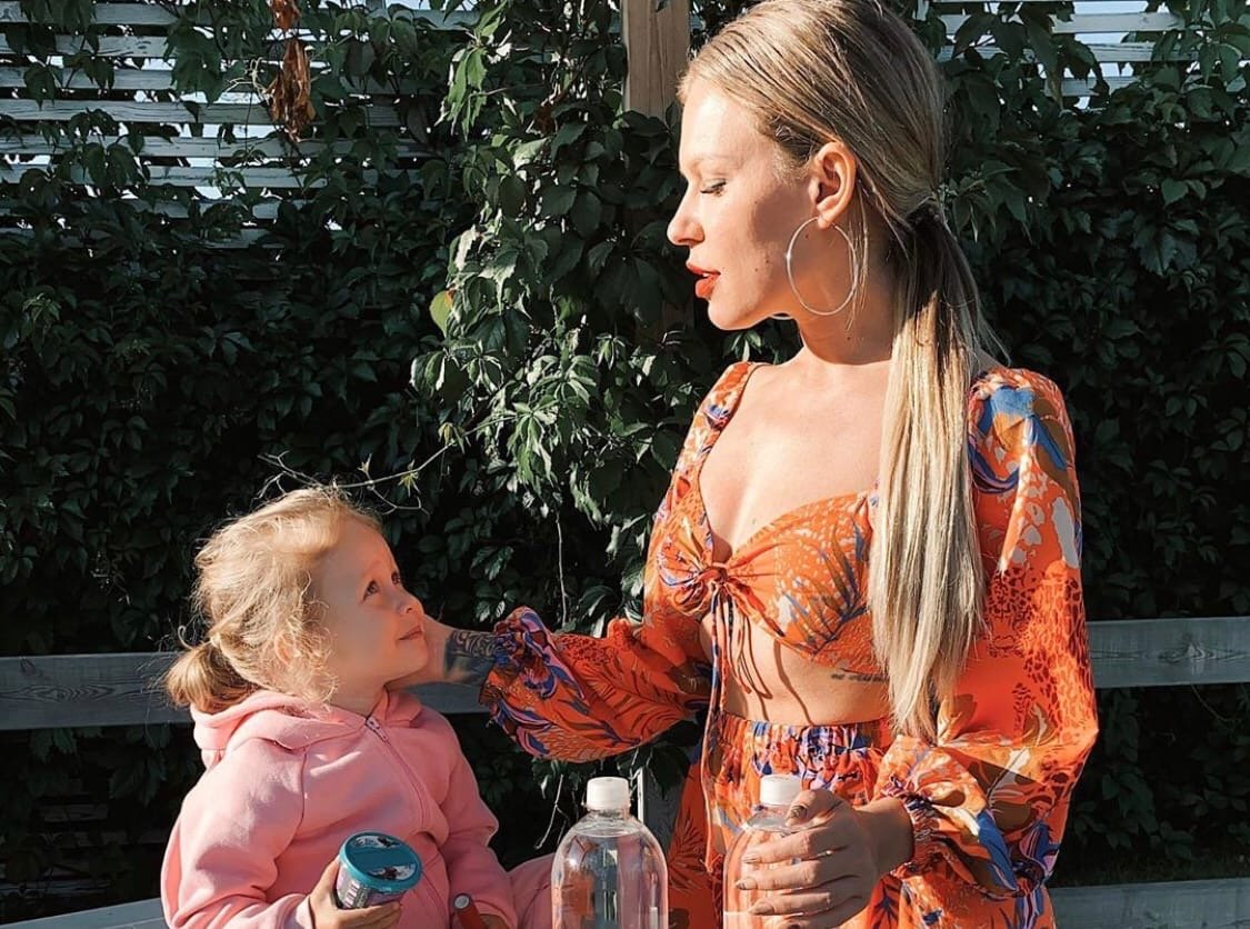 Рита Дакота боится, что не сможет публиковать фото дочери в Инстаграм