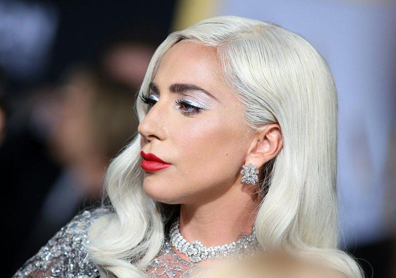 Леди Гага продемонстрировала свою фигуру в купальнике