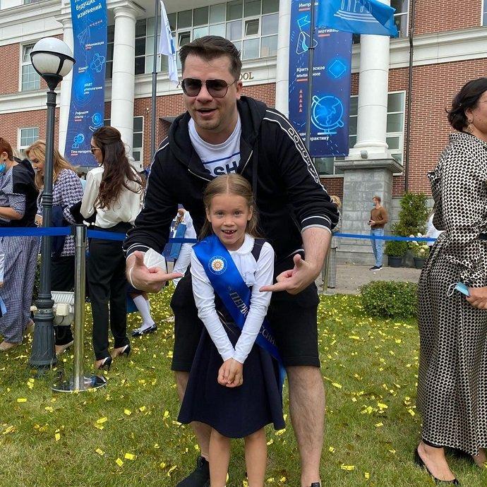 После развода с Кристиной Асмус Гарик Харламов заметно похудел