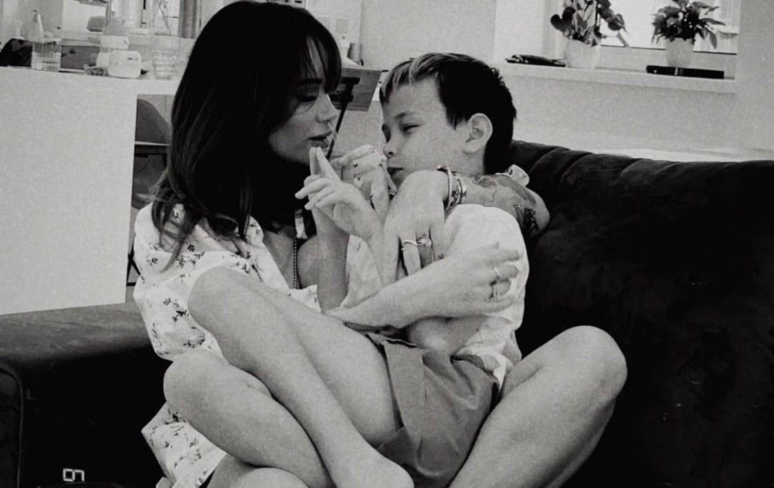 Айза Долматова переживает о будущем старшего сына