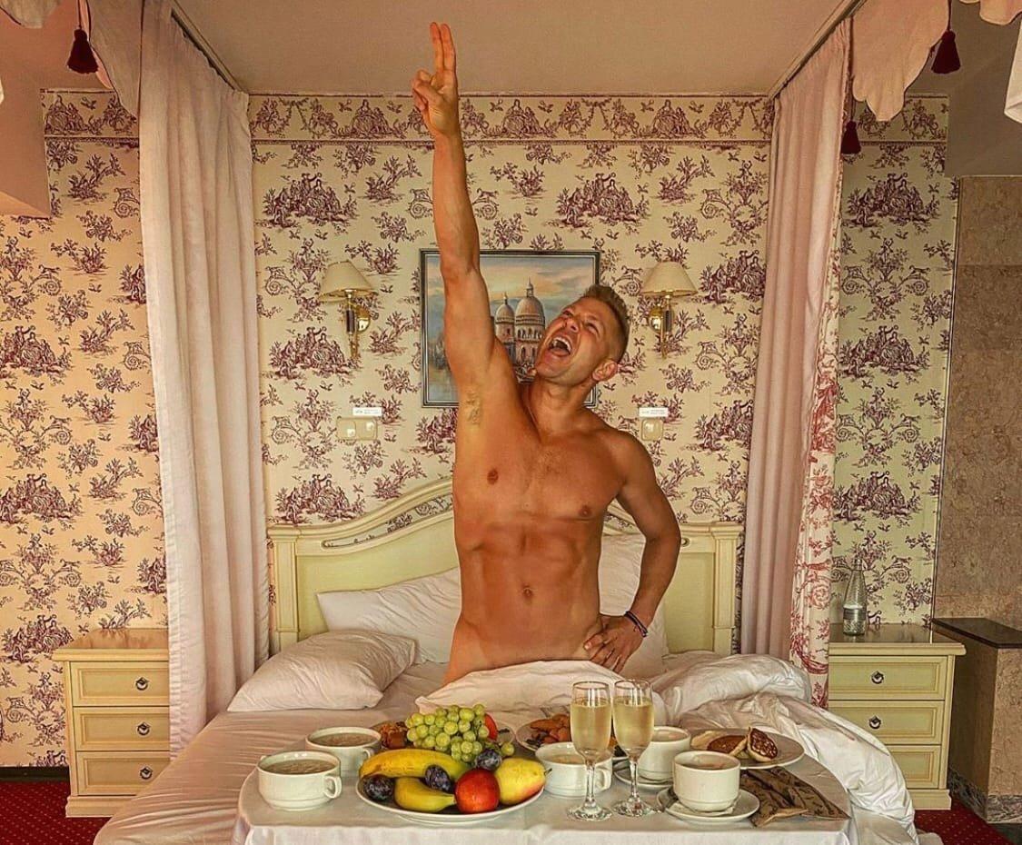 Откровенные фото Мити Фомина не понравились его подписчикам